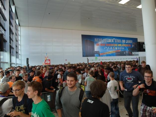 The Entrance to Gamescom... RUN!