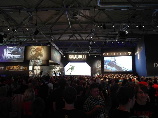 Just a few people... - Gamescom